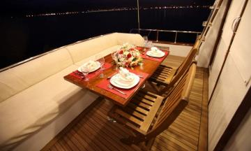 3 cabins Ece Junior motor yacht for rent in Fethiye